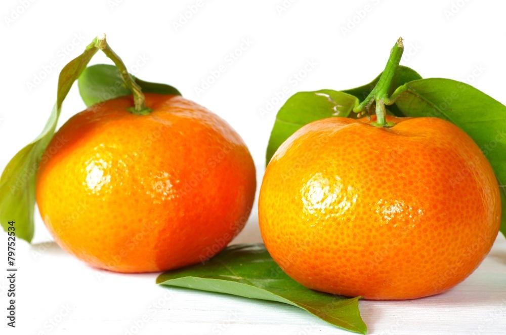 Photo  Mandarinen mit Blättern