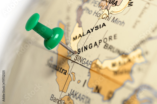 Spoed Foto op Canvas Singapore Location Singapore. Green pin on the map.