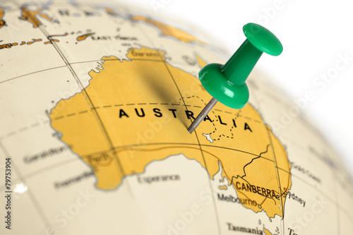 Foto auf Gartenposter Australien Location Australia. Green pin on the map.
