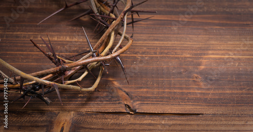 Fotografie, Obraz  Crown of thorns on a wooden background - Easter