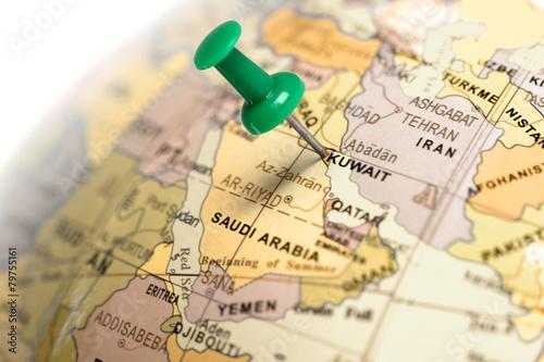 Fotobehang Midden Oosten Location Kuwait. Green pin on the map.