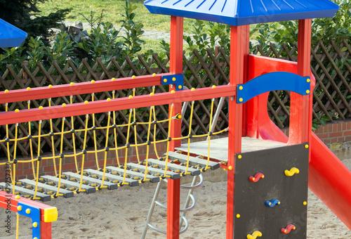 Klettergerüst Kaufen : Klettergerüst mit rutsche auf einem spielplatz u kaufen sie dieses