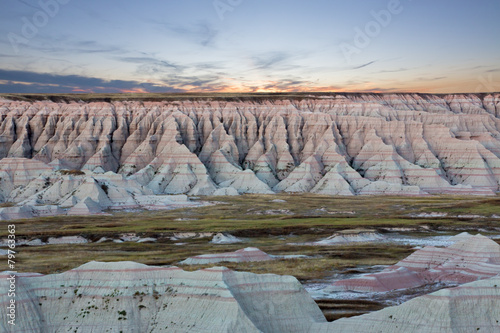 Photo Scenic sunset view of the South Dakota badlands