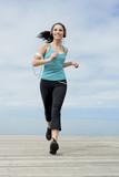 Piękna uprawiająca jogging