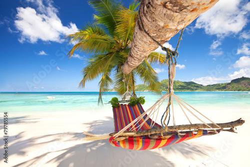 Deurstickers Tropical strand Hängematte am Strand