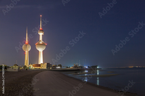 Fotobehang Midden Oosten Arabian Gulf beach and Kuwait Towers. Kuwait, Middle East
