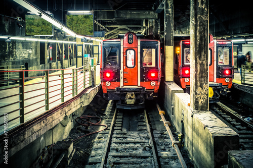 Fotografiet Train in subway tunnel at Grand Central Terminal in NYC