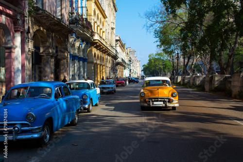 Türaufkleber Autos aus Kuba Classic old car on streets of Havana, Cuba