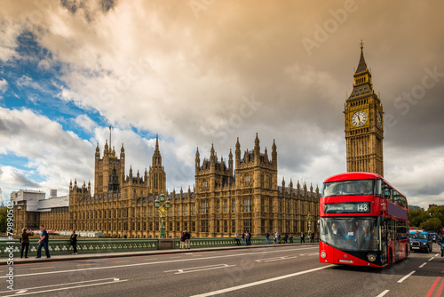 Poster de jardin Londres bus rouge Houses of Parliament and a red bus, London