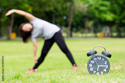 Plagát  Morning  exercise and black clock
