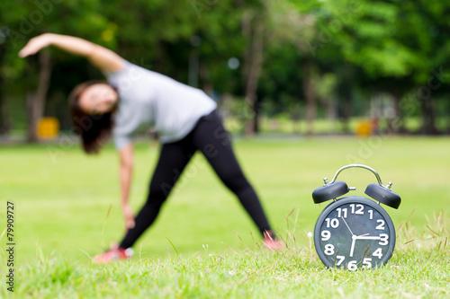Láminas  Morning  exercise and black clock
