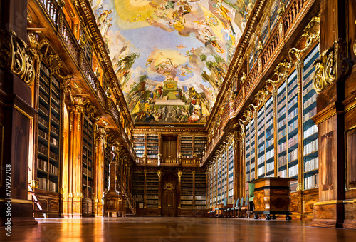 Papiers peints Con. Antique Strahov Monastery library interior