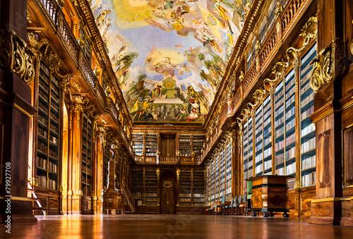 wnetrze-biblioteki-klasztoru-strahov