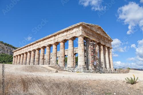 Fotografie, Obraz  Ancient greek temple of Segesta, Sicily