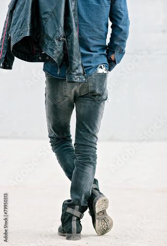 Fotografie, Obraz  Atractivo hombre joven de espalda