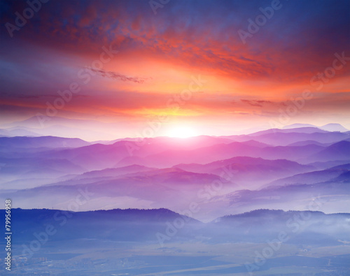 Papiers peints Morning Glory sunset in mountains
