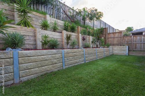 Photo  Retaining wall