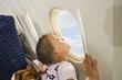 Deutschland, München, Bayern, Mädchen im Flugzeug