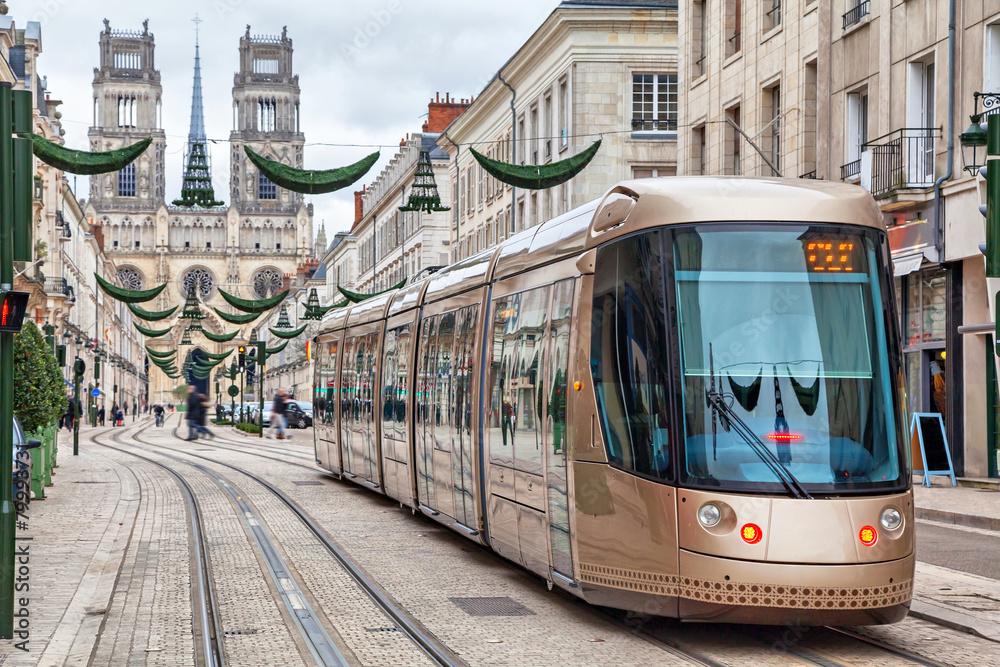 Fototapety, obrazy: Brown tram in Orleans