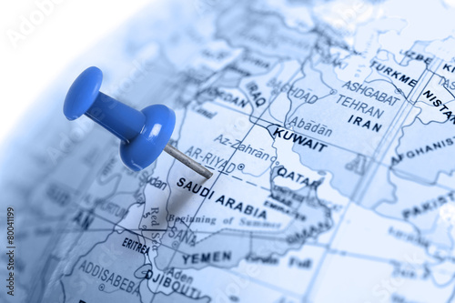 Fotobehang Midden Oosten Location Saudi Arabia. Blue pin on the map.