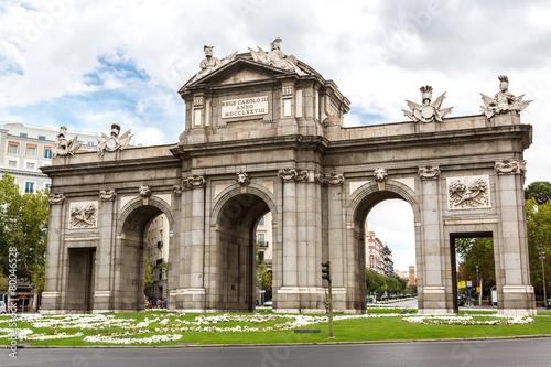 Staande foto Madrid Puerta de Alcala in Madrid
