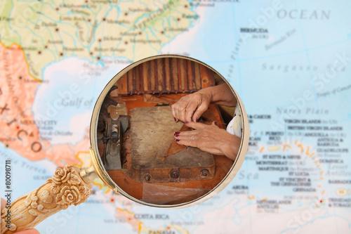 Fotomural Cuban cigar maker