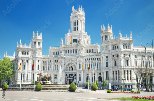 Foto  Palacio de Comunicaciones, famous landmark in Madrid, Spain.