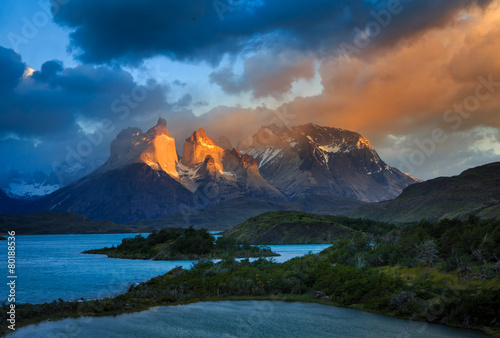 Fotografie, Obraz  Lago Pehoe, National Park Torres del Paine in southern Chile.