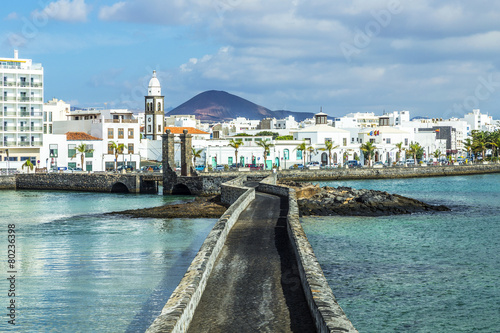 Fotobehang sea view at Castle of San Gabriel and Arrrecife, Lanzarote, Cana
