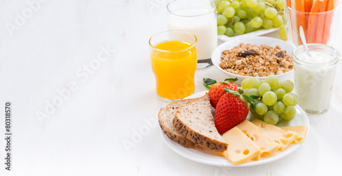 Fotografie, Obraz  healthy and nutritious breakfast with fresh fruits and vegetable