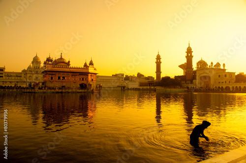Montage in der Fensternische Tempel Amritsar Golden Temple
