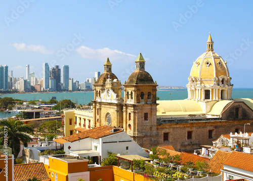 Fotografía  Historic center of Cartagena, Colombia with the Caribbean Sea