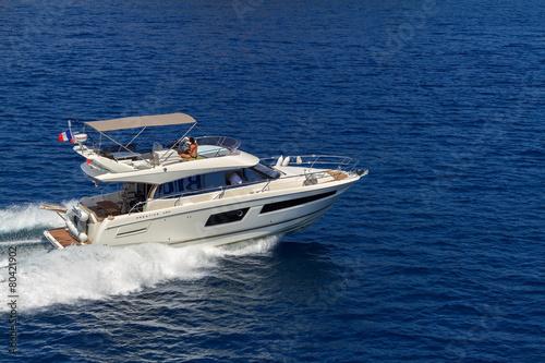 Poster Nautique motorise speedboat runs fast