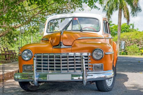 stary-amerykanski-samochod-w-hawanskim