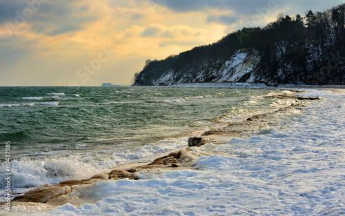 Fotobehang - Morze Bałtyckie , kra lodowa zalega morze, Polska