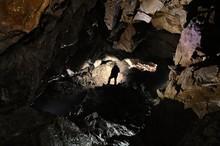 Caver In A Cave, Pugnetto, Mez...