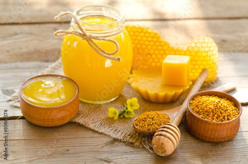 Valokuva  beekeeper's still life