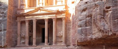fototapeta na szkło Miasto Petra w Jordanii na Bliskim Wschodzie