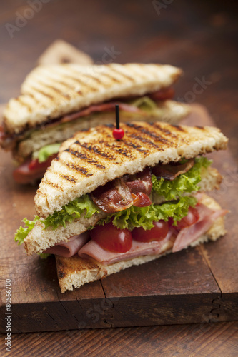 Staande foto Snack club sandwich on white background