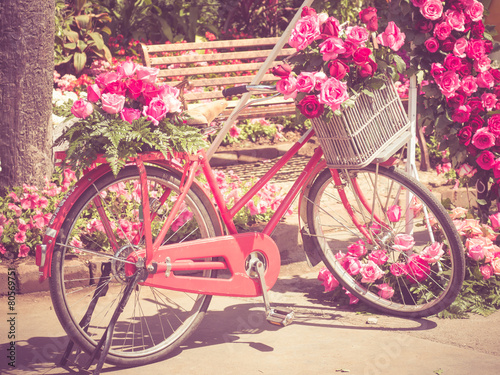 Türaufkleber Fahrrad bicycle and flowers with filter effect retro vintage style