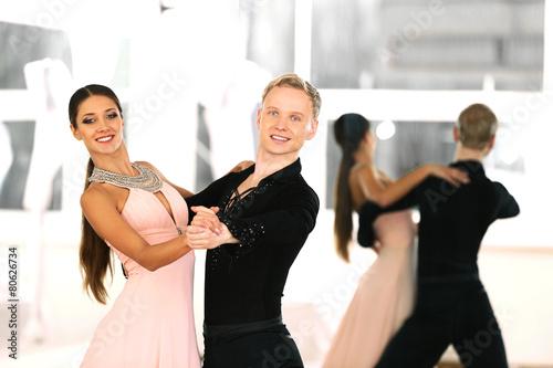 fototapeta na szkło Taniec towarzyski w ruchu