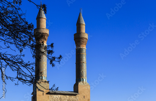 Fotografia  Cifte Minaret Madrasa - Double Minaret in Sivas