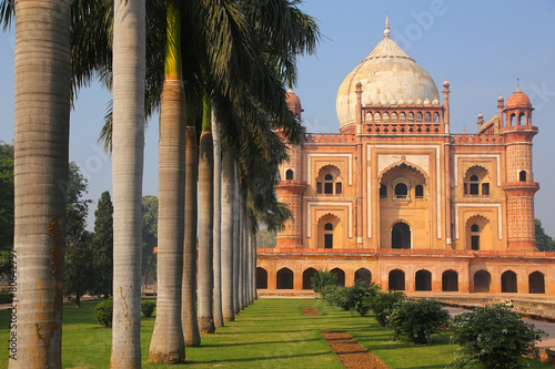 Foto op Plexiglas Delhi Tomb of Safdarjung in New Delhi, India