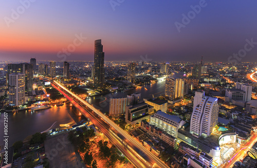 Tuinposter Bangkok River in Bangkok city with high office building in night time