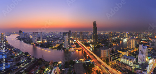 Foto op Canvas Bangkok River in Bangkok city with high office building in night time