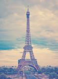 Paryż, piękna Wieża Eiffla. - 80709718