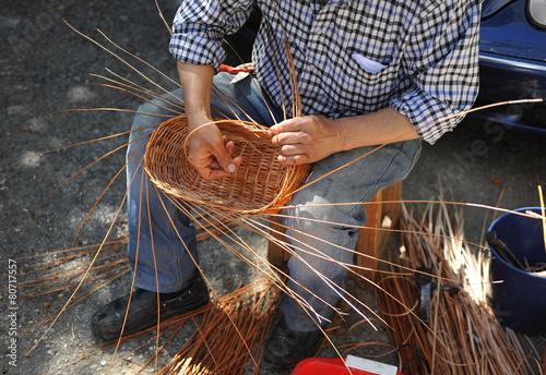 Obraz Artesanía española, cesta de mimbre - fototapety do salonu