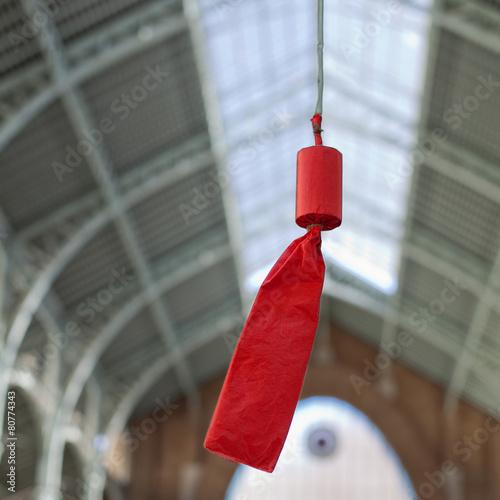 Valokuva  Petardo rojo en Mercado de Colón
