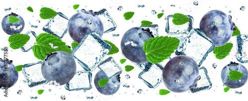 Fototapeta owoce w wodzie owoce-w-wodzie-jagody