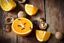 Juicy Orange And Spicy Cloves